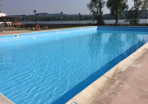 Ragazza si tuffa nella piscina della villa per salvare l 39 amico muoiono entrambi linknews24 - Piscina sotto terra ...